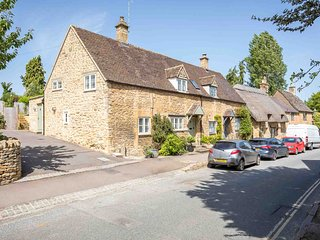 East Leaze is a beautiful Cotswold stone property in wonderful Chipping Campden