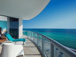 OCEAN FRONT 2BR SUITE, ON THE BEACH, POOL