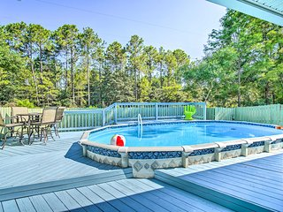NEW-Pensacola Home w/Pool, 9 Mi to Beaches & Dwtn