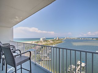 Pensacola Beach Condo w/ Balcony & Gulf Coast View