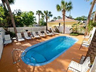 DeSoto Beach Bungalows 1604, POOL, *NO HIDDEN FEES*