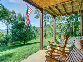 NEW LISTING! Mountain home w/ patio, firepit, fireplace & great views - dogs ok!