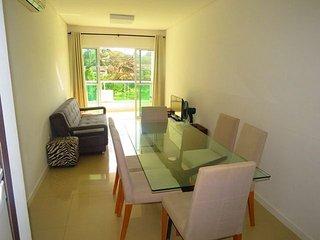 Cod 028A Apartamento bem localizado no centro de Bombinhas para 6 pessoas !