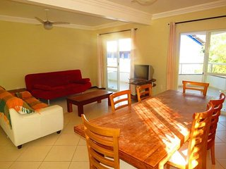 Cod 124 Apartamento com 3 dormitorios sendo 2 suites na Praia de Bombinhas! 124