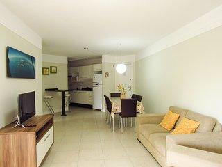 Cod 186 Apartamento com 03 dormitorios na praia de Bombas 186