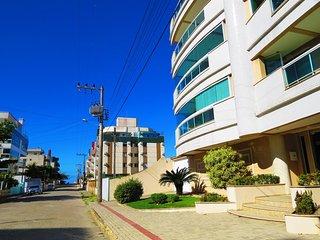 Cod 026 Apartamento com 02 dormitorios na praia de Bombas 026