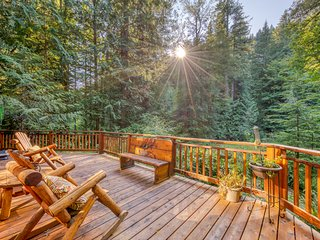 Creekside home w/ private hot tub, amazing deck & great woodland views!