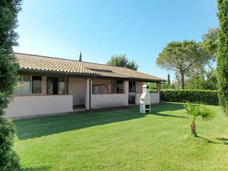 Centro Raccolta Quadrupedi Holiday Home Sleeps 4 with Pool Air Con and Free
