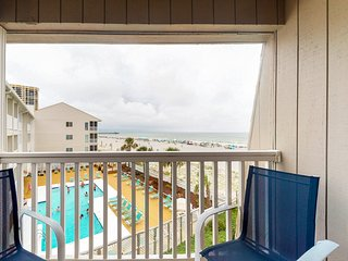 Oceanfront home w/ magnificent views, shared pool and golf nearby!