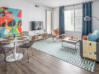 Luxury 2BR | Downtown Phoenix #3006 by WanderJaunt