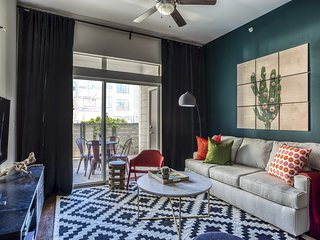 Chic 2BR by Downtown Austin #116 by WanderJaunt