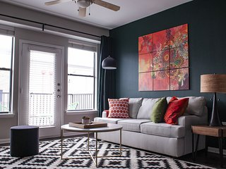 Lavish 2BR in South Congress #244 by WanderJaunt
