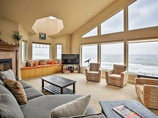 NEW! Oceanfront South Beach House w/ Deck & Sauna!