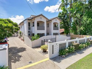 Private Townhouse just 5 minutes to Cairns CBD