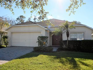 4660 -Bed Private Pool Home w/Spa & Games Room!