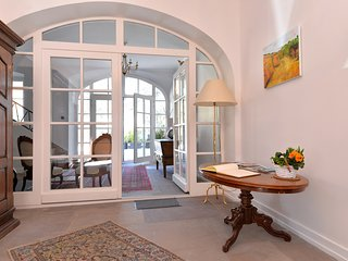 Marquisat de Vauban ***** Exclusive Home