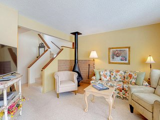 Hideaway Valley condo with golf course views, wood stove & back deck