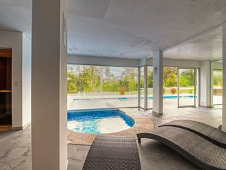 Comodo apto. c/ balcon y piscina compartida - Cozy apt. w/ balcony & shared pool