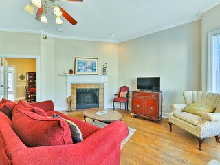 Spacious, historic dog-friendly townhome close to dining & shopping!