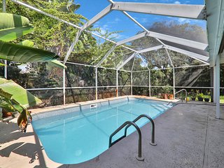 Cozy bungalow w/ a private, covered pool, yard - just blocks from the beach!