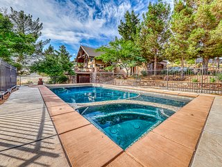 Spacious home w/ private pool, hot tub, & fire pit - close to Zion National Park