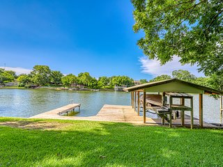 NEW LISTING! Lakefront home w/ private dock & great outdoor area - 2 dogs OK!
