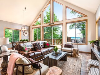 Exquisite lakefront home w/ furnished deck, firepit & private dock - dogs OK!