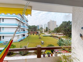 Alegre y central apto. c/balcón privado - Bright downtown apt. w/private balcony