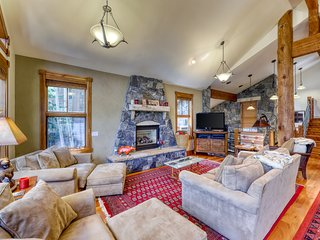 Stunning mountain home w/ furnished balcony, patio, gas fireplaces & hot tub!