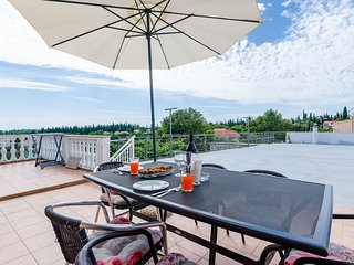 Apartments Dubrovnik Airport - Two Bedroom Apartment with Shared Terrace