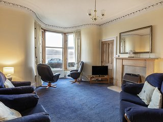 Seafront - Bright - Spacious - Ground Floor Flat