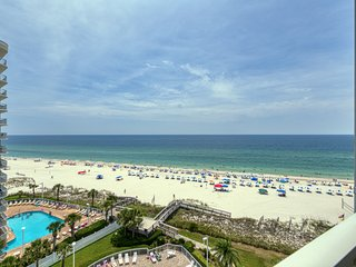 New Listing! Updated gulf front condo w/water views, shared pools & beach access
