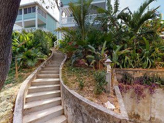 Apartment in nature - walking distance from the beach & town w/ great views!