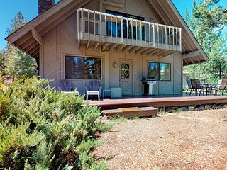 NEW LISTING! Dog-friendly home w/ a great Sunriver location & SHARC passes!