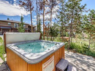 NEW LISTING! Mountain home w/private balcony, board games, and shared hot tub!