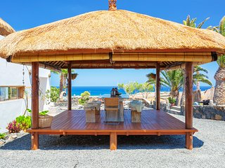 Villa Palacio & Yurt, private location, 2 x private pools, near sandy beach