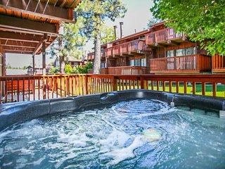 Resort Side Retreat Modern 2 BR Ski Condo Hot Tub