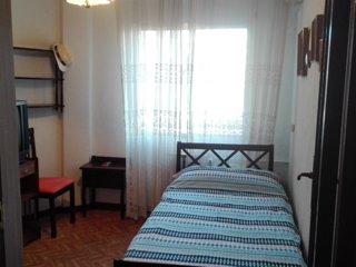 Single room near Airport IFEMA, Wanda, Munoza, Senasa