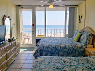 Economical-2nd Floor-Beach Front-Pirate's Cove Unit-Private Balcony-Community Po
