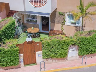 Luxury apartment (Apartamento de lujo) 400 m. from the beach (a la playa)