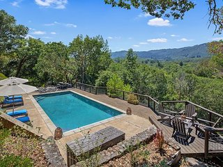 Fall Savings! Exclusive Villa Vista, Gated Estate w/ Views, Pool & Hot Tub