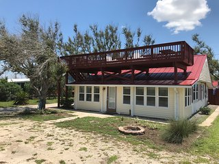 ALL DECKED OUT-Renovated-Great Gulf Views-Pet Friendly-Booking for all of 2020!