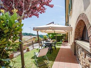 Casetta Sole Superior Garden House on Etruscan Hillls