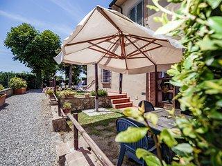 Casetta Luna Superior Garden House on Etruscan Hillls