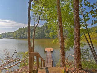 NEW! Pet Friendly Toccoa Home w/Deck+Lake Access!