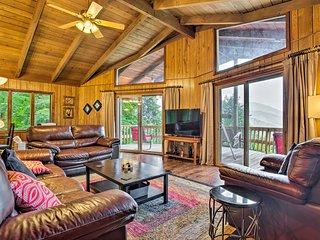 Upscale Cabin w/Stunning Blue Ridge Mountain Views