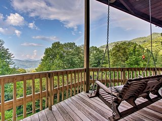 Upscale Cabin w/Stunning Blue Ridge Mountain Views