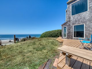 NEW LISTING! Two adjacent beachfront condos w/ gorgeous ocean views - dogs OK!