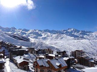 Appartement spacieux et charmant 'skis aux pieds' | Acces Piscine