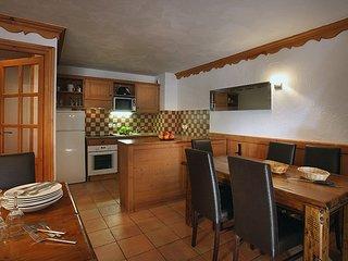 Appartement abordable proche des pistes avec Wi-Fi Gratuit + Balcon/Terrasse